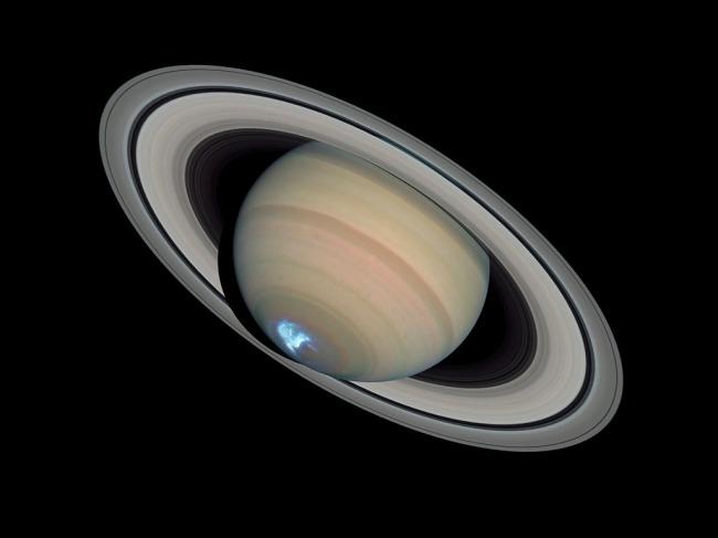 Polarna svjetlost na južnom polu Saturna