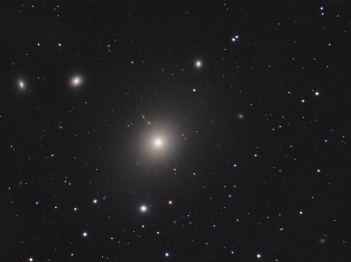 Galaksija M 87